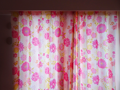 【子供部屋カーテン】4歳の女の子がときめくカーテン選び。