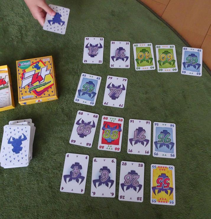 【カードゲーム】みんなでドキドキ!!6歳の娘と家族でハマるカードゲームはドイツで大人気の『ニムト』。【レビュー】