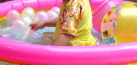 【ビニールプール】おばあちゃんちでの庭プール。プールを買い替え。