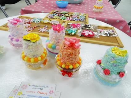 【ワークショップ】4歳の娘が釘付け。ケーキみたなプレゼントボックスを作ったよ。