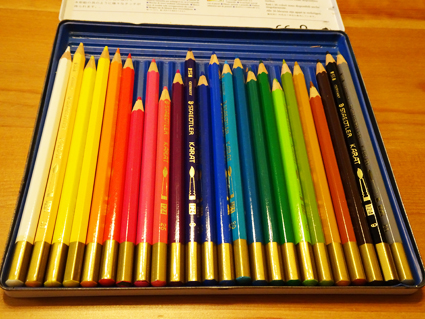 【色鉛筆】子供とぬりえを楽しむ私が好きな色鉛筆はコレ!!入学祝いにもオススメ。【カラトアクェレル】