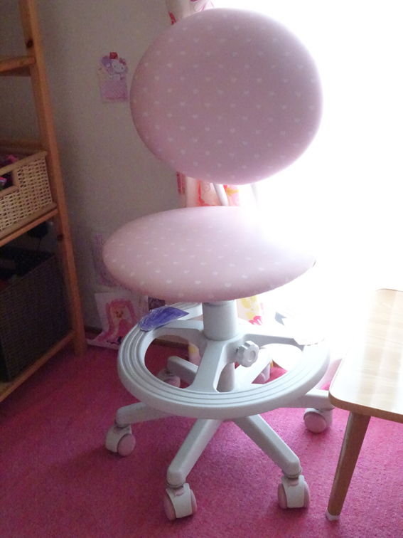 【学習机選び】学習机の下見をする為に東京インテリアへ!!学習机より先にKOIZUMIの学習椅子『回転ラブリーチェア』を購入しました。【年長4月】