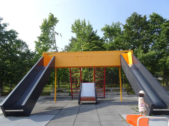 スタイリッシュな遊具が素敵!6歳の娘とモエレ沼公園へ遊びに行ってきたよ。