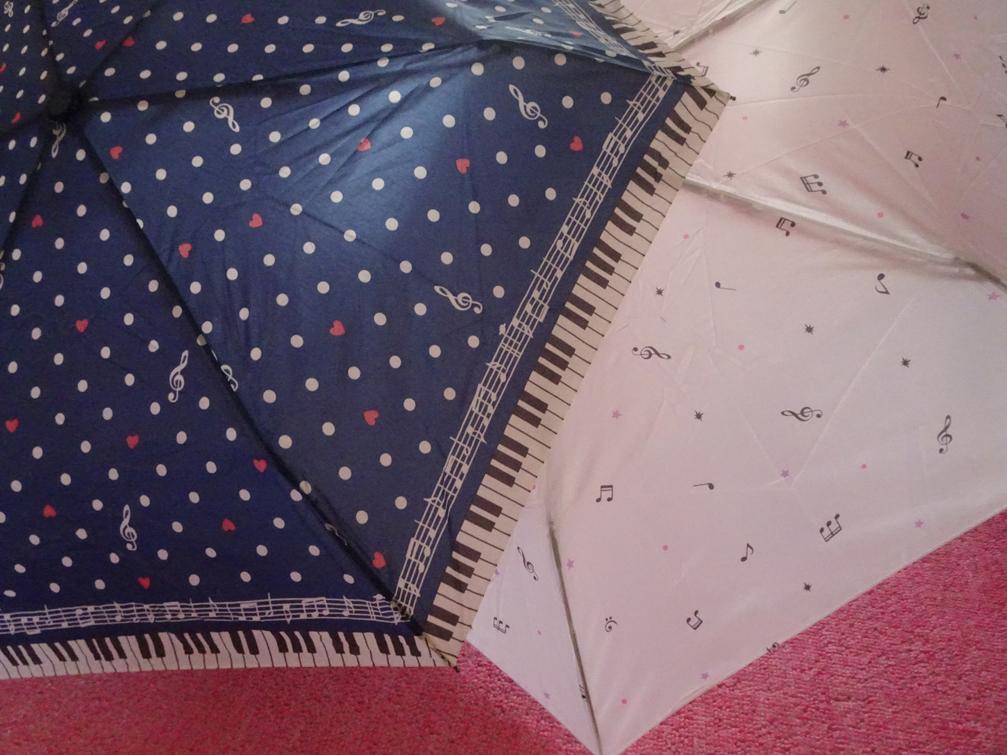 音符柄の傘。