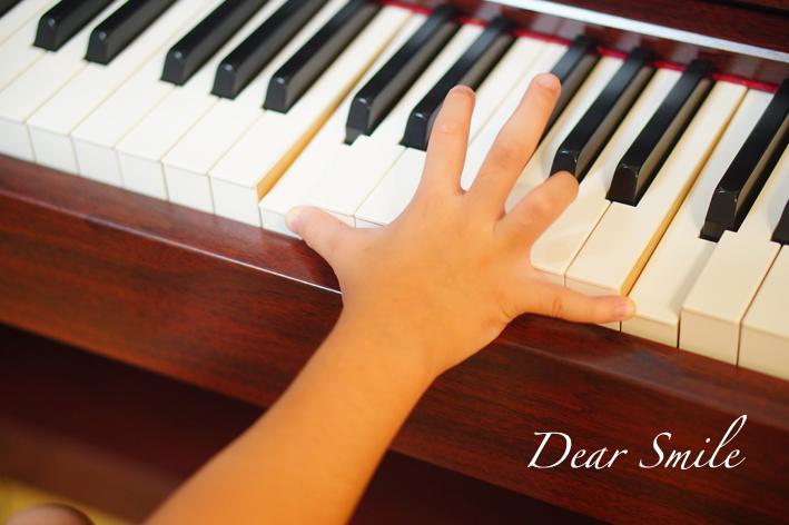 【ピアノ】ようやくオクターブが届くようになる。【小1 10月】
